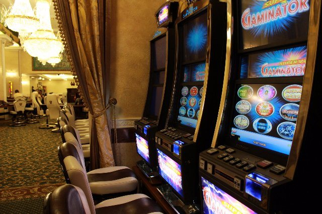Играйте в онлайн казино Азино в любое удобное время